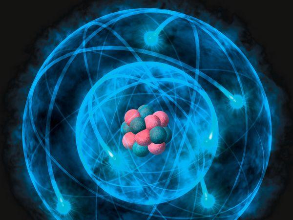 атом на Хелий